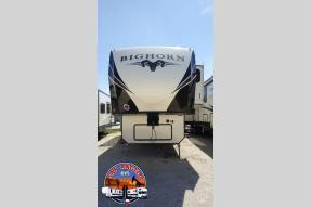 New 2018 Heartland Bighorn 3160 Elite Photo