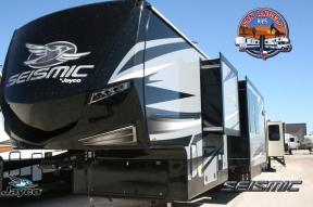 New 2019 Jayco Seismic 4250 Photo