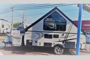 New 2018 Coachmen RV Clipper Camping Trailers C12RBSTHW Photo