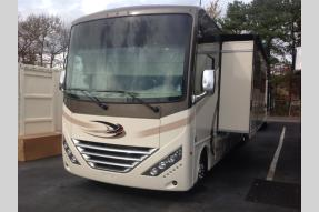 New 2018 Thor Motor Coach Hurricane 35M Photo