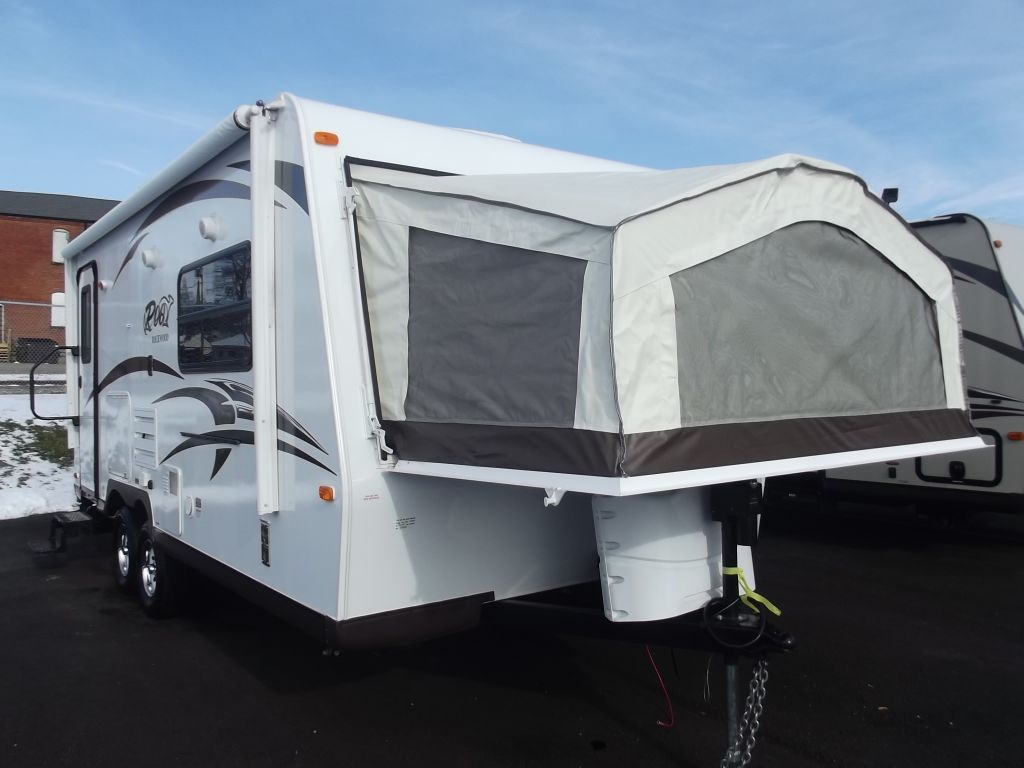 New 2014 Forest River Rv Rockwood Roo 21dk Expandable At