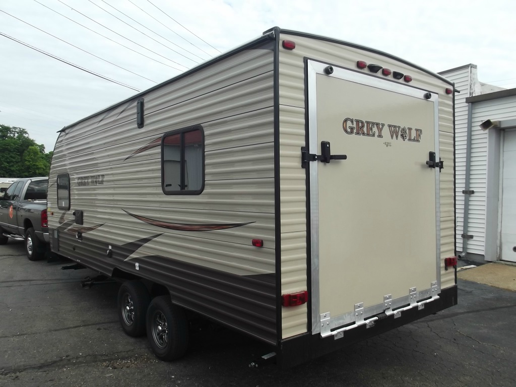 New 2017 Forest River Rv Cherokee Grey Wolf 19rr Toy