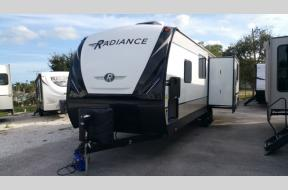 New 2020 Cruiser Radiance Ultra Lite 28RS Photo