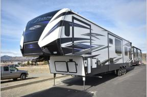 New 2018 Keystone RV Fuzion 427 Photo