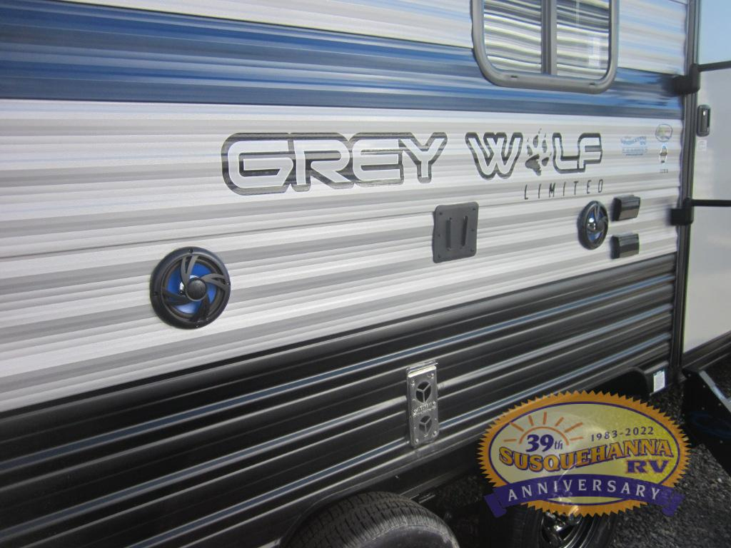 New 2019 Forest River Rv Cherokee Grey Wolf 22rr Toy