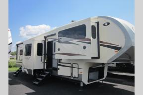New 2019 Forest River RV Cardinal Limited 3888FLLE Photo