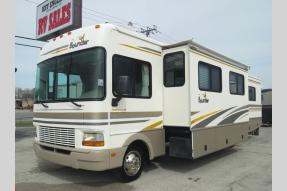 Used 2002 Fleetwood RV Bounder 36S Photo