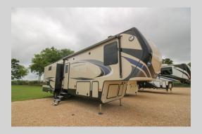 Used 2018 Keystone RV Montana High Country 305RL Photo