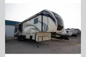 Used 2018 KZ Durango Gold G384RLT Photo