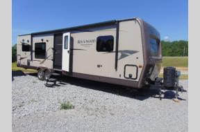 Used 2014 Forest River RV Rockwood Signature Ultra Lite 8310SS Photo