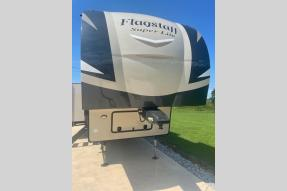 Used 2019 Forest River RV Flagstaff Super Lite 528IKWS Photo
