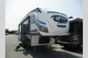 Used 2018 Forest River RV Cherokee Arctic Wolf 265DBH8 Photo