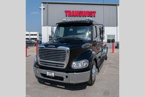 Used 2014 Freightliner M2 112 SportChassis Photo
