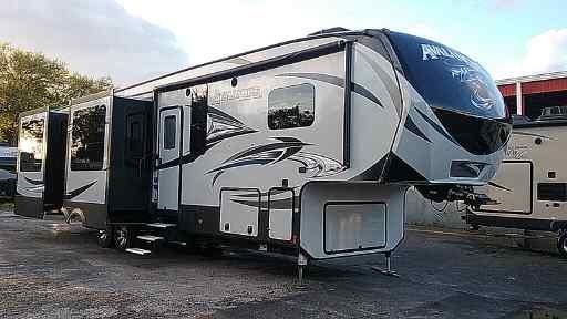 Used 2017 Keystone RV Avalanche 370RD Photo