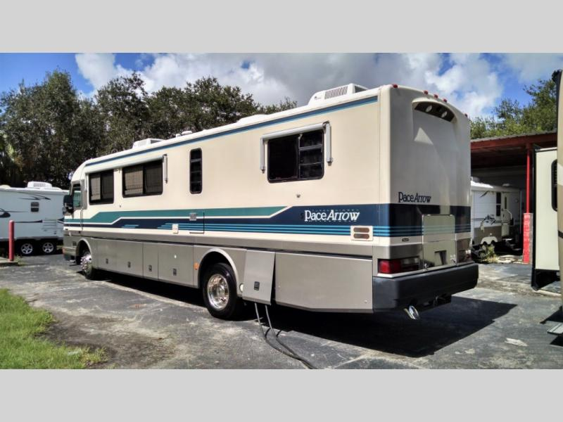 Used 1993 Fleetwood RV PACE ARROW 36C Photo