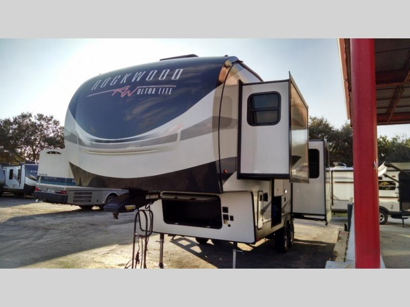 New 2022 Forest River RV Rockwood Ultra Lite 2442BS Photo