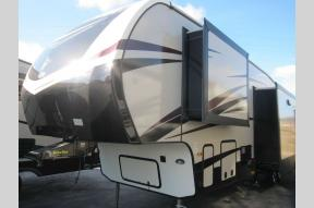 New 2018 Keystone RV Cruiser 3351BH Photo