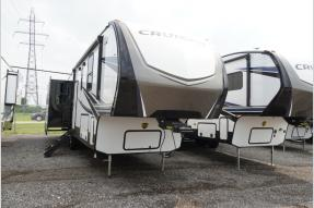 New 2019 CrossRoads RV Cruiser CR339RL Photo
