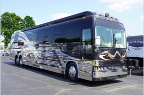 Used 2003 Prevost Featherlite 45F Photo
