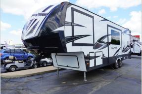 Used 2018 Dutchmen RV Voltage V3005 Photo