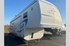 Used 2002 Forest River RV Cedar Creek 30 RLBS Photo