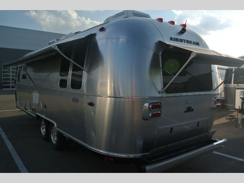 New 2019 Airstream RV Flying Cloud 28RB Travel Trailer at US