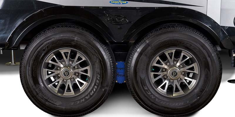Jayco Pinnacle Fifth Wheel Tires