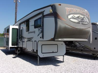 Pinnacle Fifth Wheel | RV Sales