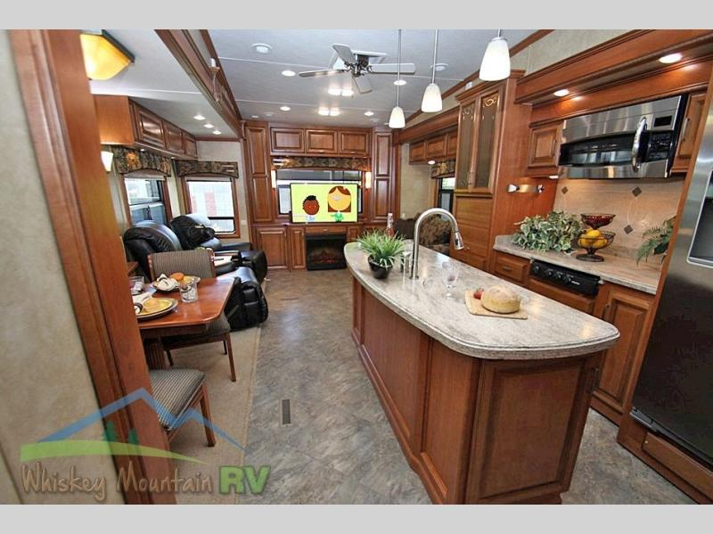 REAR ENTERTAINMENT FLOOR PLAN WITH ROTATING TV