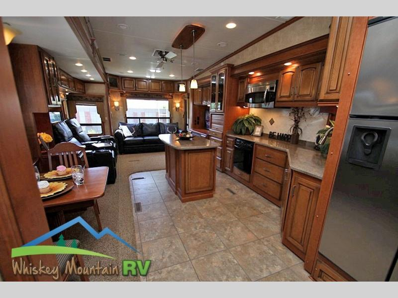 HUGE OPEN REAR LIVING FLOOR PLAN TONS OF CHERRY WOOD WORK INCREDIBLY VERY LOW USE CONDITION