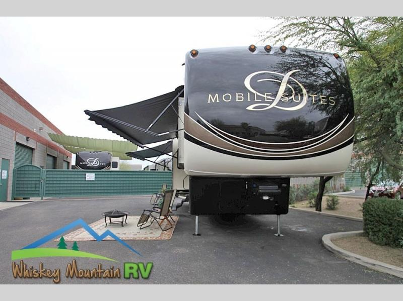38' QUAD SLIDE - DUAL POWER PATIO AWNINGS - GENERATOR AND AUTOMATIC SATELLITE DISH