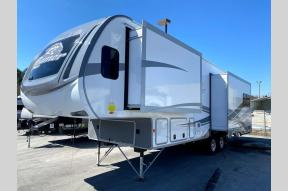 New 2021 Highland Ridge RV Roamer RF264RLS Photo