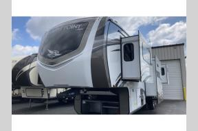 New 2021 Jayco North Point 382FLRB Photo