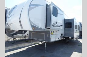 New 2020 Highland Ridge RV Light LF295BHS Photo