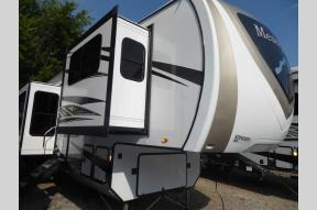 New 2019 Highland Ridge RV Mesa Ridge MF370RBS Photo