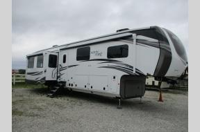 New 2021 Jayco North Point 377RLBH Photo