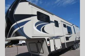 New 2020 Keystone RV Montana High Country 380TH Photo