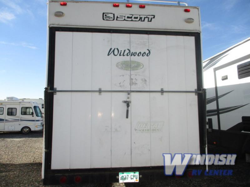Used 2002 Forest River RV Wildwood Sport F37 Toy Hauler