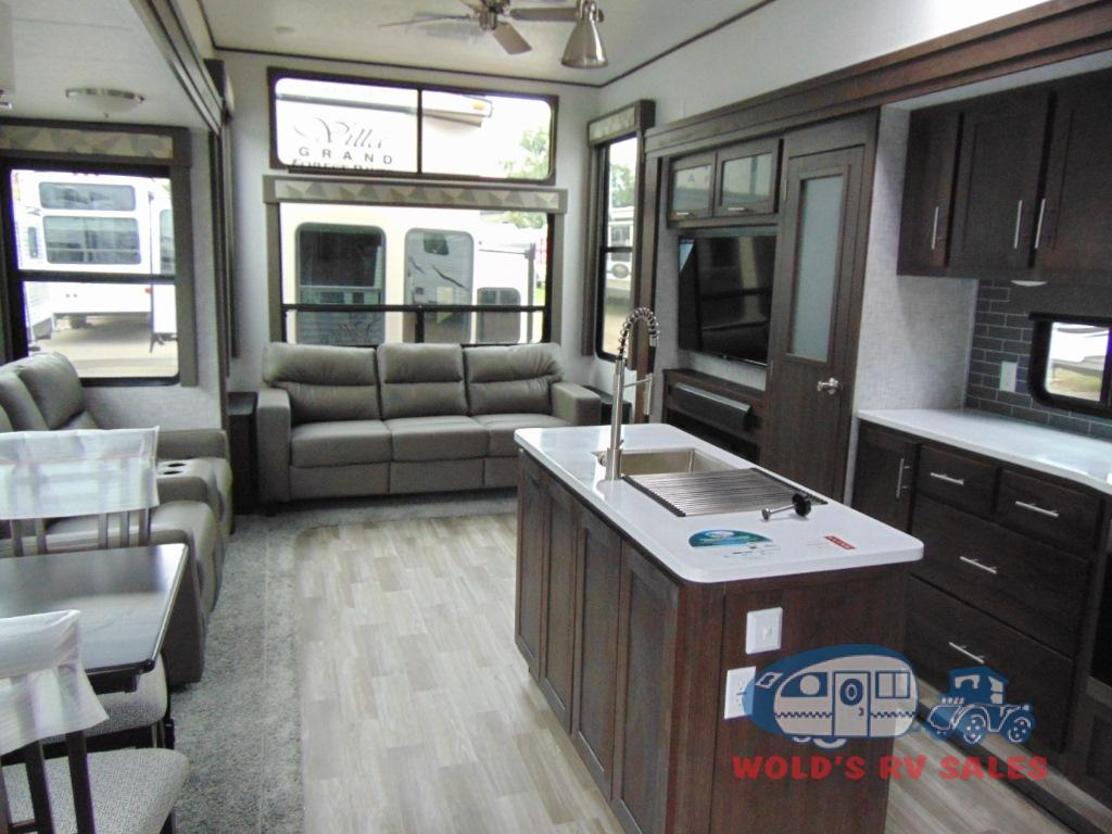 New 2019 Forest River Rv Salem Grand Villa 42dl