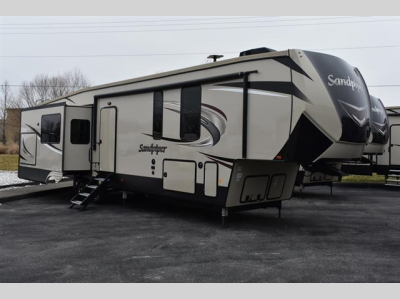 New 2019 Forest River RV Sandpiper SANDPIPER 372LOK Photo